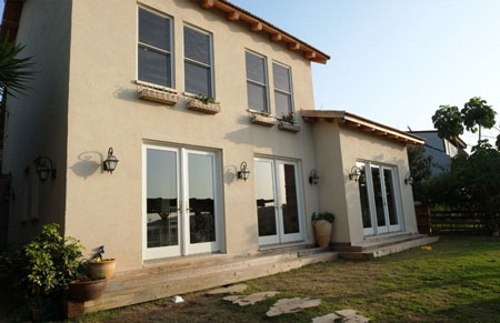 דלתות אלומיניום של חברת אנדרסן המומחים בייצור והתקנה של דלתות כניסה לבית וחלונות מעוצבים