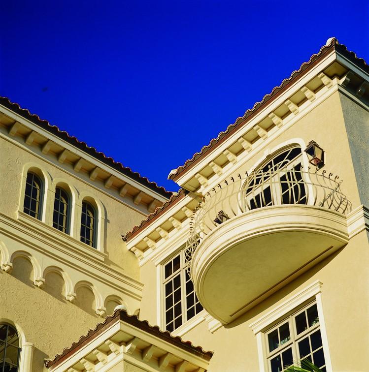 חלונות אלומיניום של חברת Andersen המומחים בייצור חלונות לבית ודלתות כניסה מעוצבות