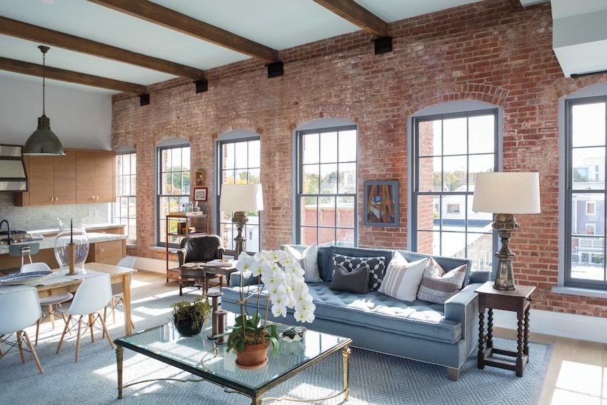 חלונות גליוטינה מסדרה E של חברת אנדרסן המומחים ביצור והתקנה של חלונות גליוטינה ודלתות כניסה לבית