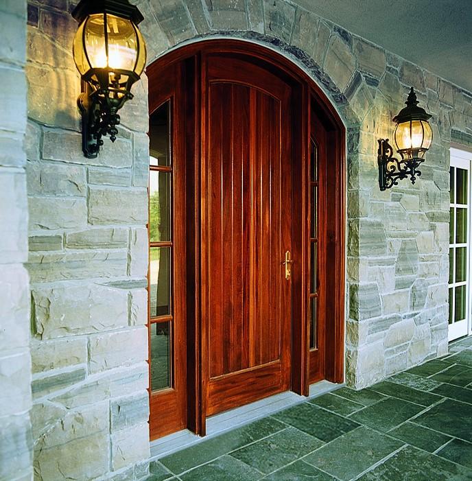 דלתות כניסה של חברת אנדרסן המומחים בייצור והתקנה של חלונות מעוצבים ודלתות כניסה מעוצבות