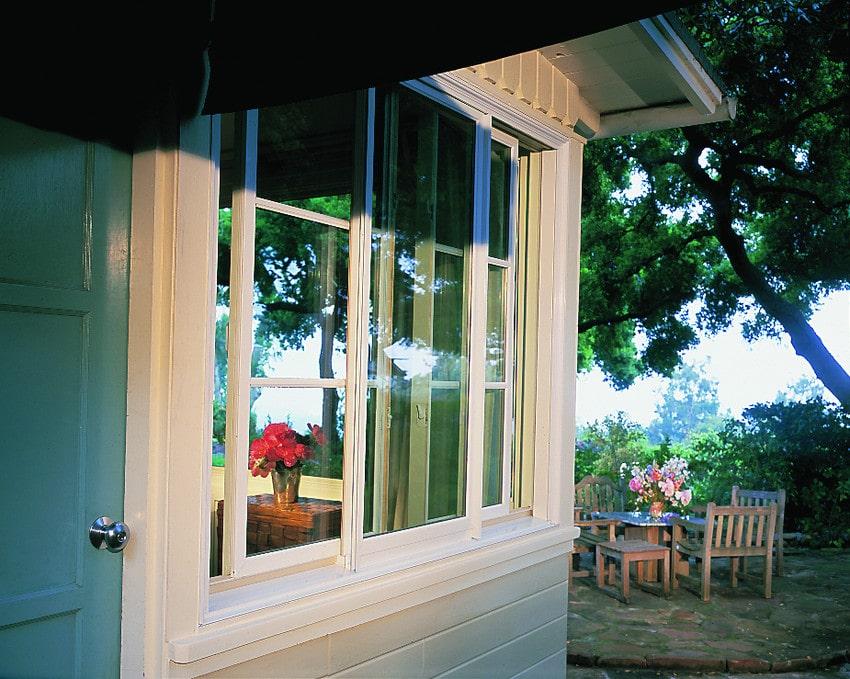 חלונות הזזה של חברת אנדרסן המומחים בייצור חלונות לבית ודלתות כניסה מעוצבות