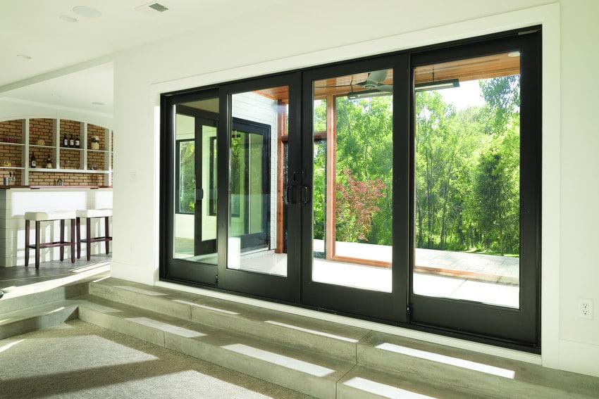 דלתות עץ מסדרה A של חברת אנדרסן המומחים ביצור והתקנה של דלתות עץ וחלונות מעוצבים