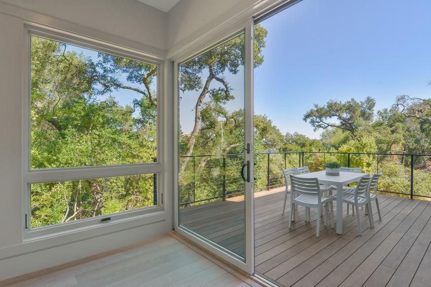 דלתות חוץ של חברת Andersen המומחים בייצור חלונות לבית ודלתות כניסה מעוצבות