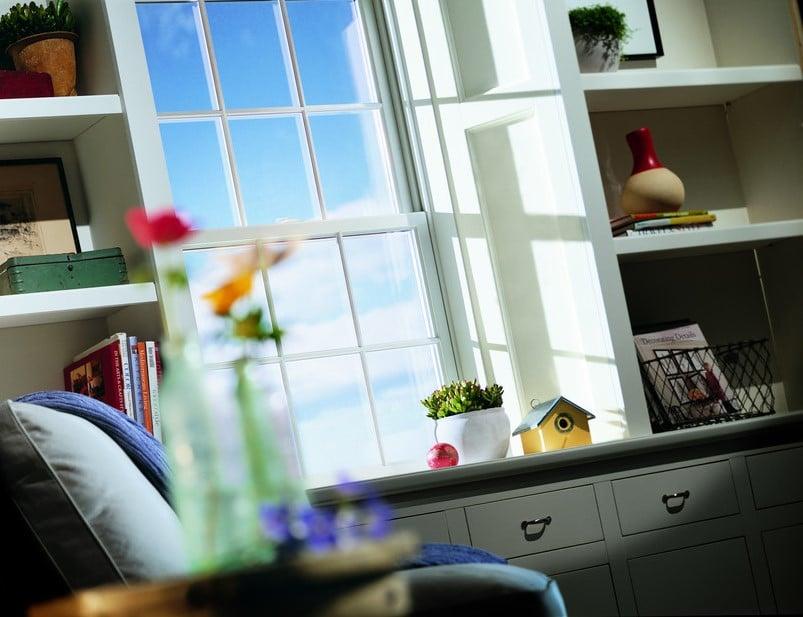 חלונות גליוטינה מסדרה 200 של חברת אנדרסן המומחים ביצור והתקנה של חלונות גליוטינה ודלתות כניסה לבית