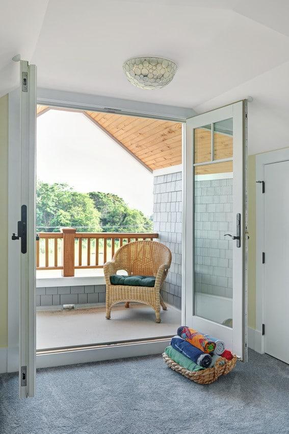 דלתות עץ במבחר דגמים ועיצובים יחודיים - אנדרסן