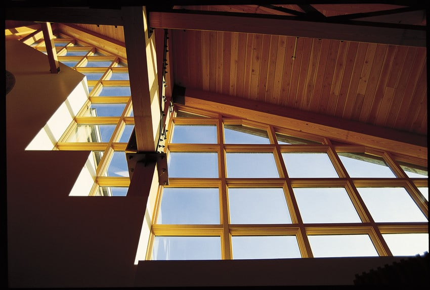 חלונות עץ עם חיפוי חיצוני במגוון צבעים ועיצובים של חברת Andersen